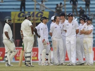 England to Go Ahead With Bangladesh Tour in October