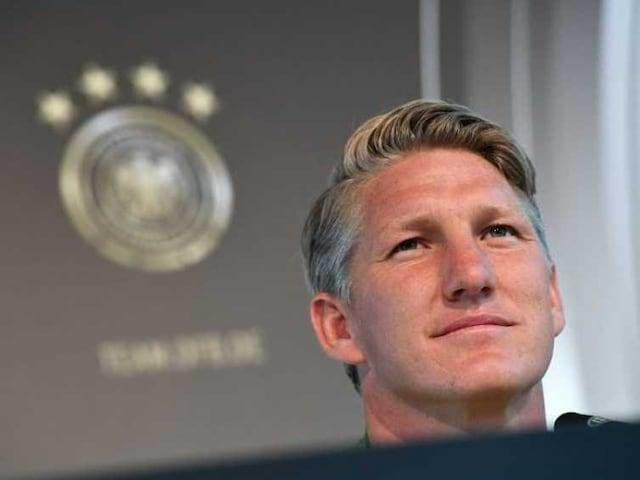 German Fans Cool on Bastian Schweinsteigers Farewell