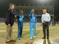 Vizag Twenty20: Unchanged India Opt to Bowl First in the Decider