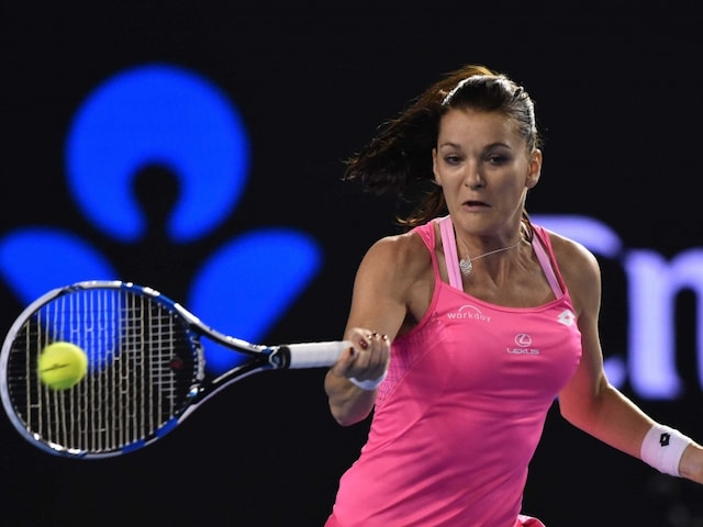 Top Seed Agnieszka Radwanska Crashes Out of WTA Porsche Open