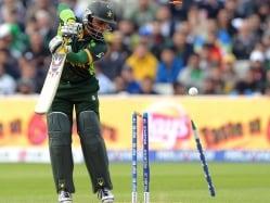 Discarded Pakistan Opener Imran Farhat Announces Retirement from International Cricket
