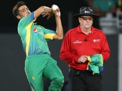 New Zealand Cricket Apologises to Mohammad Amir For Cash Taunt