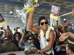 Ronaldinho Escapes Unhurt After Traffic Signal Falls in Kerala