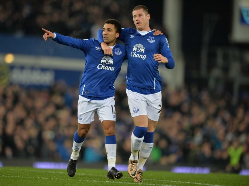 Aaron Lennon on Mark as Improved Everton F.C. Hold Tottenham Hotspur F.C.