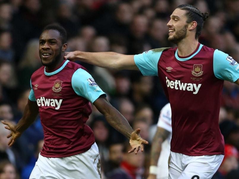 Andy Carroll, Michail Antonio Help West Ham United F.C. Beat Liverpool F.C.