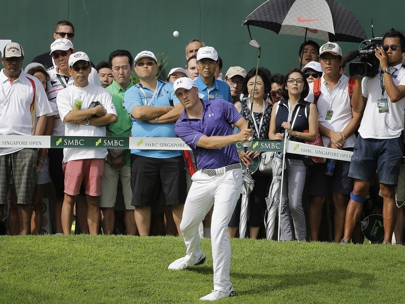 Jordan Spieth Makes Mixed Start to Rain-Marred Second Round at Singapore Open