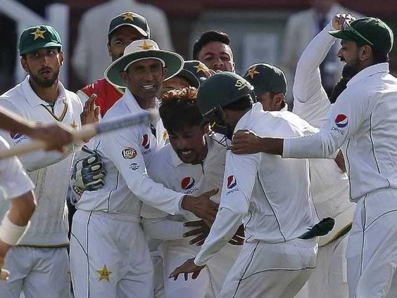 England Turn to Saqlain Mushtaq to Help Solve Pakistan Spin Problem