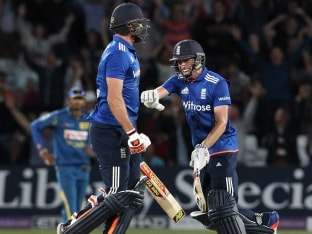 England's Liam Plunkett Seals Stunning Sri Lanka Tie