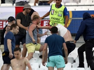 Euro 2016 Fan Violence: Russians Were 'Trained Killers', Says Ukraine President