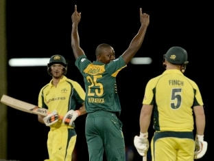 South Africa Surge to Top Spot in Tri-Series With Bonus Point Win Over Australia