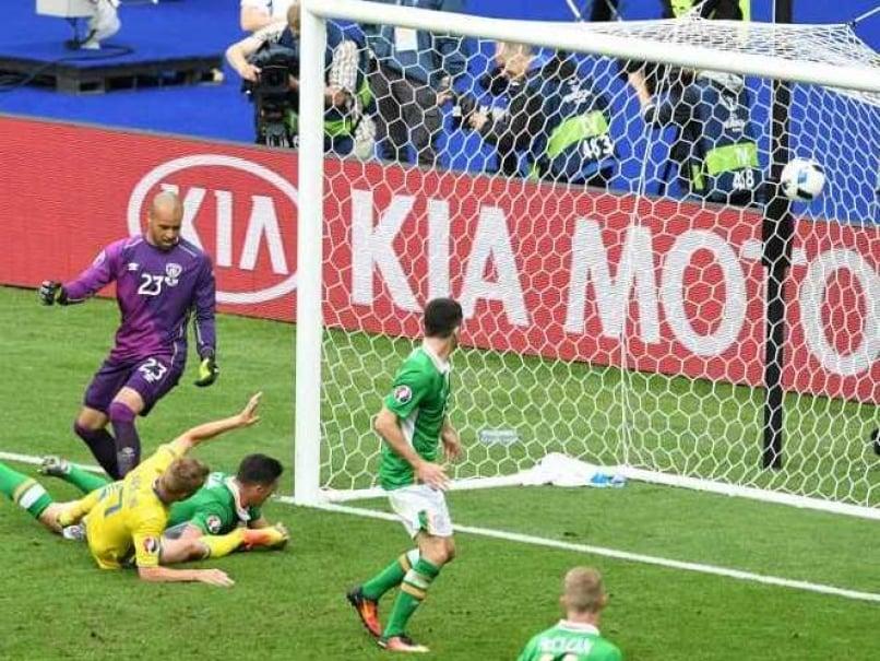 Euro 2016: Republic of Ireland Defender Ciaran Clarks Own Goal Helps Sweden Draw 1-1