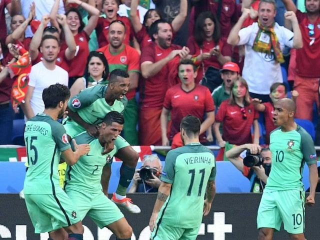 Euro 2016: Cristiano Ronaldo Brace Helps Portugal Enter Round of 16