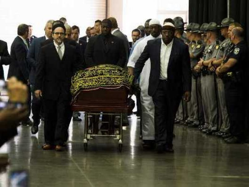 Thousands Flock To Muhammad Alis Muslim Funeral Service