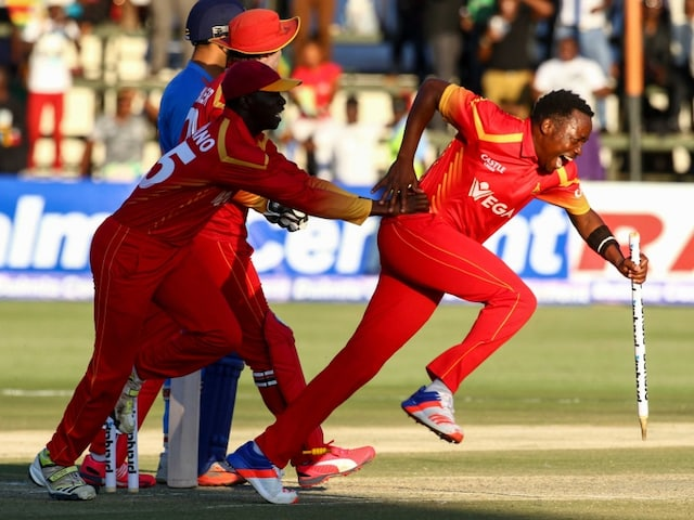 Zimbabwe Shock India as MS Dhoni Fails to Take Team Through in First T20