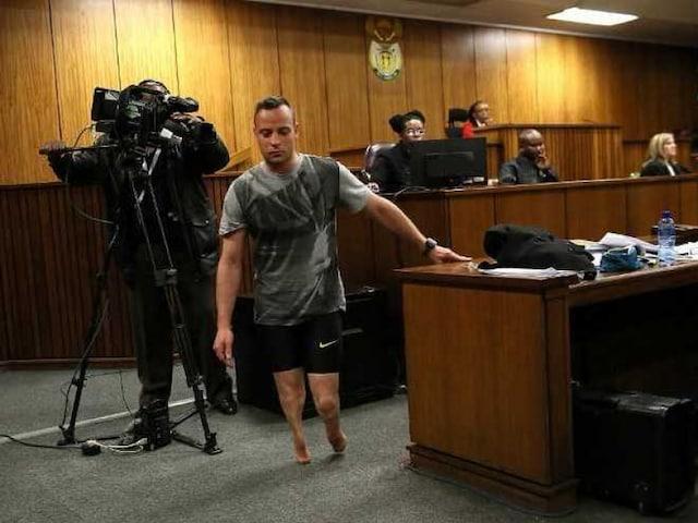 Oscar Pistorius Walks Minus Prosthetic Legs to Show Disability During Hearing