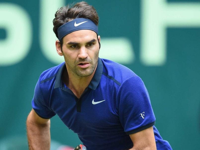 Roger Federer Eases Past Malek Jaziri in Halle Open Rd 2