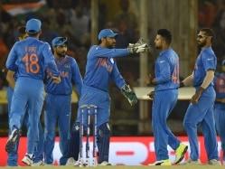 World T20: Mahendra Singh Dhoni Has Enough Options to Stop Chris Gayle, Feels Kumar Sangakkara