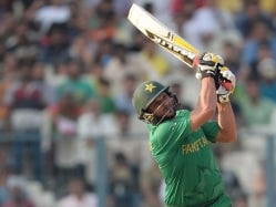 World T20: Shahid Afridi Powers Pakistan to Big Opening Win