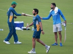Virat Kohli's Promise to a Special Pakistani Cricket Fan - a Signed Bat