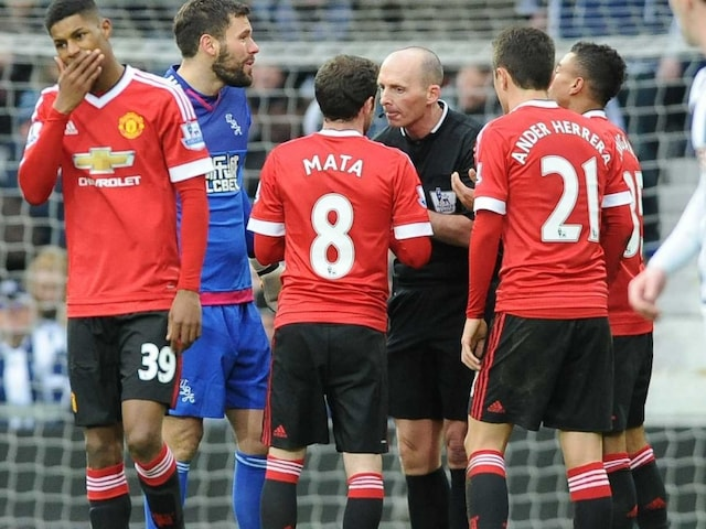 Juan Mata Says Sorry to Manchester United F.C. Fans For Red Card