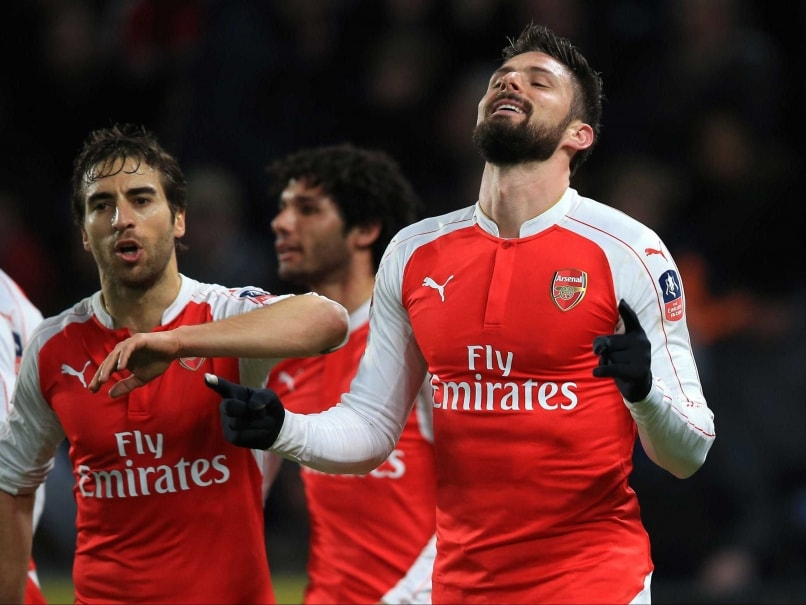 Olivier Giroud, Theo Walcott Help Arsenal F.C. Reach FA Cup Quarter-Finals