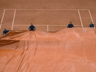 French Open: Nick Kyrgios, Petra Kvitova Win as Rain Brings Havoc