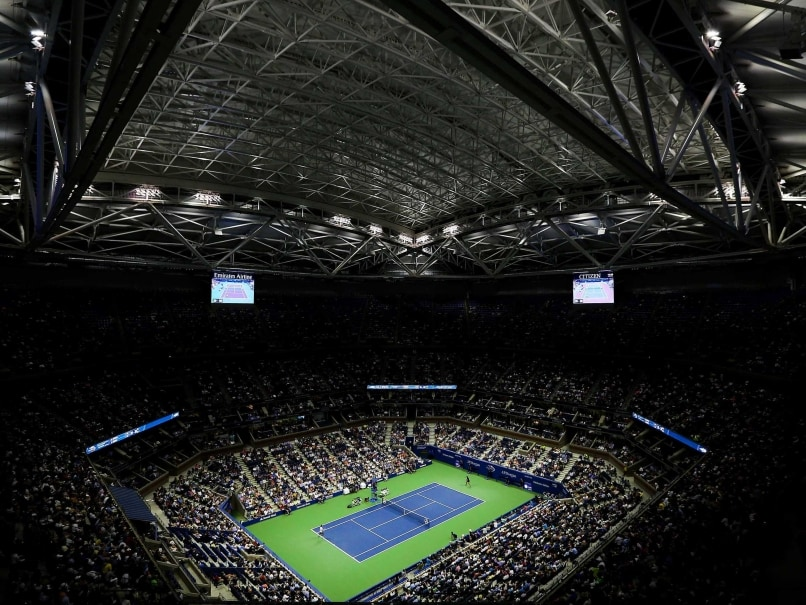 Open And Shut! US Open Closes Roof For First Time During Match