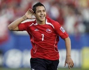 City ponder £34 million move for Sanchez: Report