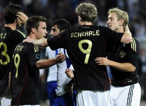 Germany win to close in on Euro 2012 finals