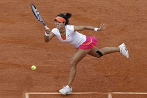 Unconventional Li Na does it her way
