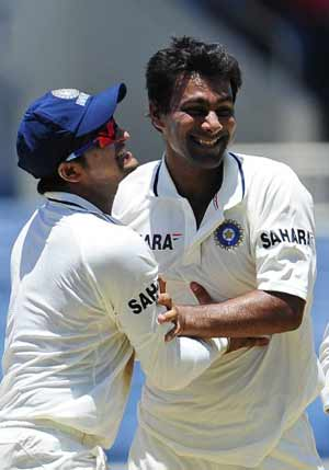Didn't feel it was my debut Test: Praveen