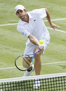 Roddick edges out Lopez at Queen's