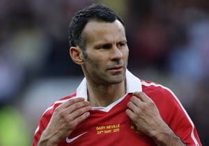 Giggs' brother dumps wife
