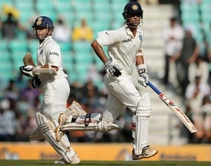Dravid moves up, Tendulkar falls in Test rankings