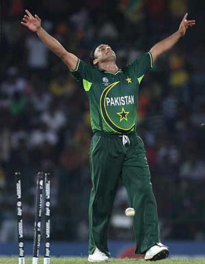 Gul supports calls for Shoaib to play against India