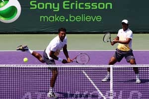 Paes, Bhupathi Miami win inspired by World Cup