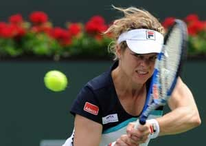 Clijsters retires during Bartoli match