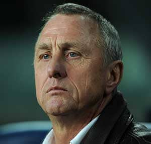 Don't write Barcelona off, says Cruyff