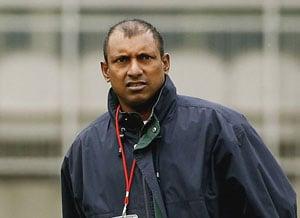Indian bowling very weak, lacks variation, says Aravinda de Silva