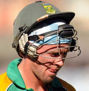 Proteas' bowlers must do better: AB de Villiers
