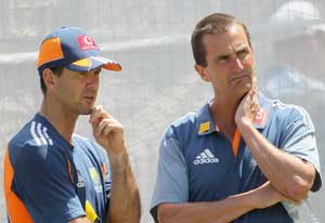 Australian selector Hilditch to stay, for now