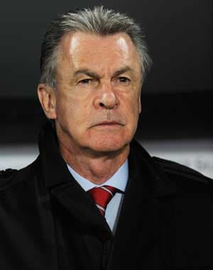 Hitzfeld stays on as Swiss coach until 2014