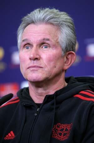 Leverkusen's Heynckes delays contract talks