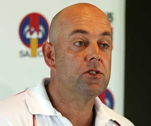 Darren Lehmann rapped, fined for Marlon Samuels remarks