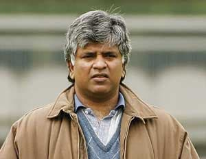 Arjuna Ranatunga hails Sri Lanka women's cricketers