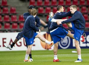 Rangers eye chance to cut gap to Celtic