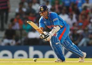Sachin should judge when to retire himself: Kapil Dev