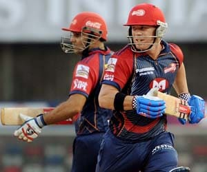 I looked up to Sehwag, says David Warner