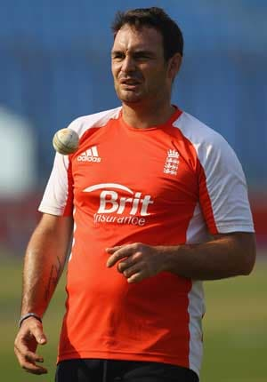 Yardy leaves England squad with depression