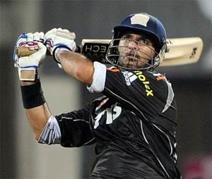 Yuvraj Singh gets ready for IPL 6